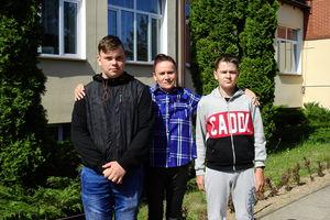 Olecko: Kierowca autobusu szkolnego miał zawał. Dzięki uczniom nie doszło do większej tragedii
