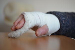 Czy jest w Olsztynie ortopeda? Załamała rękę, szukała specjalisty [INTERWENCJA]