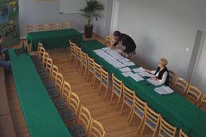 Zamiast sesji, transmisja wyników głosowania