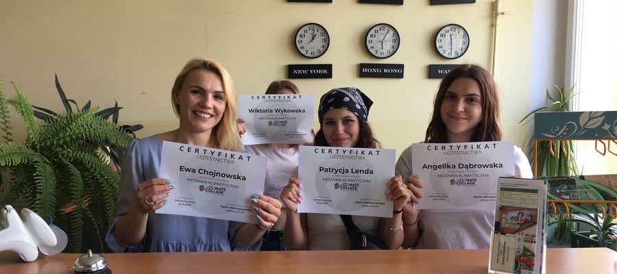 Ewa Chojnowska, Wiktoria Wykowska, Patrycja Lenda i Angelika Dąbrowska uczestniczyły w warsztatach Climate Collage