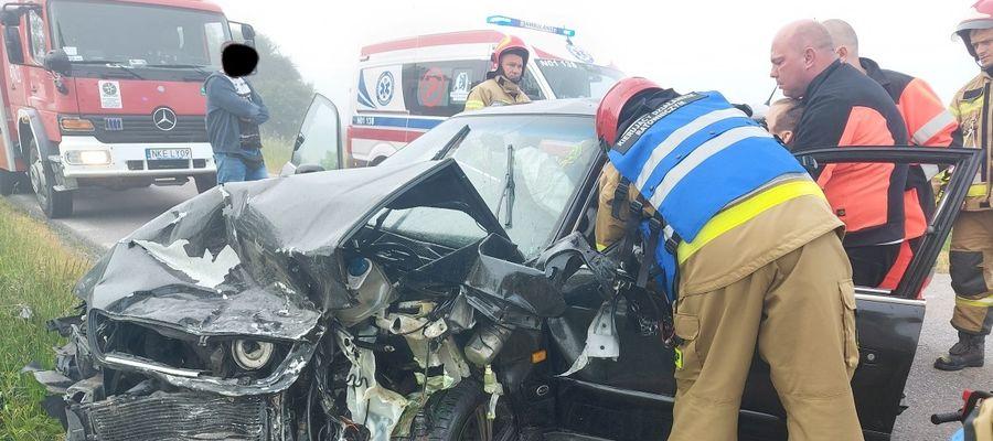 Wypadek na trasie Kętrzyn - Bartoszyce. Dwie osoby w szpitalu [GALERIA]