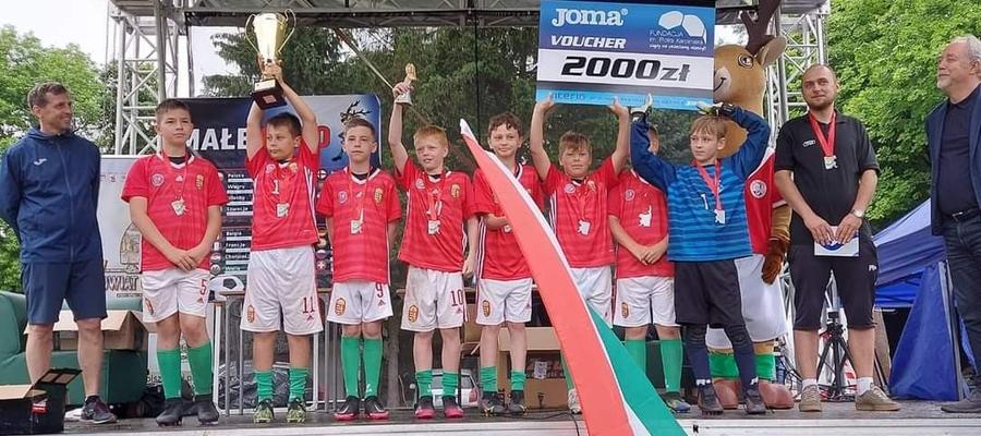 Drużyna UKS Mały Jeziorak Iława 2010 — zwycięscy Mini Euro rozegranego w Dobrym Mieście