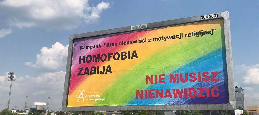 Homofobia zabija. Podoba ci się nowy baner w Olsztynie?