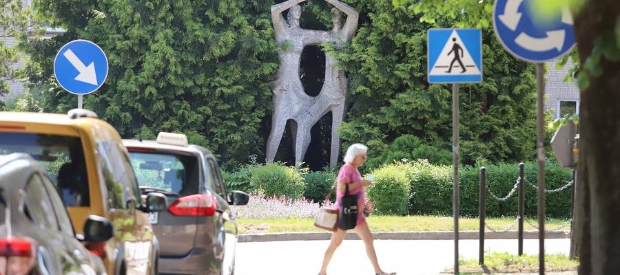 Usunięcie rzeźby w Dobrym Mieście podzieliło mieszkańców