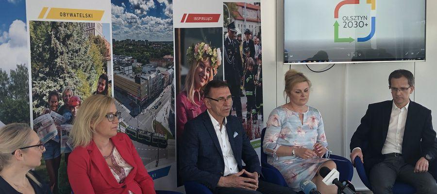 Piotr Grzymowicz, prezydent Olsztyna: — Jest wiele obszarów, które musimy omówić. Mieszkańcy formułują różne oczekiwania, problemy i wnioski, z którymi musimy się zderzyć i które na pewno będziemy uzgadniali w projekcie.