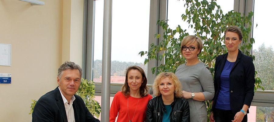 Od lewej: Mariusz Rutkowski, Mariola Wołk, Alina Naruszewicz-Duchlińska, Katarzyna Witkowska, Joanna Wołoszyn