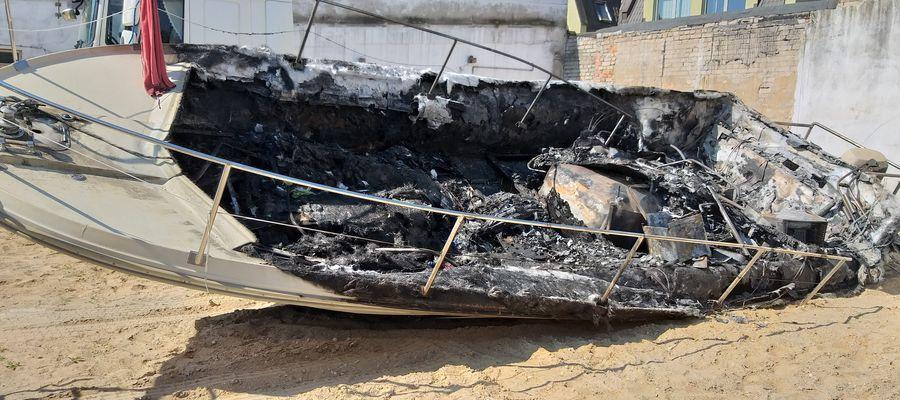 Sternik łodzi, która spłonęła na Śniardwach był nietrzeźwy