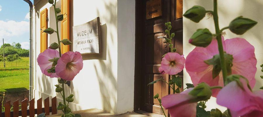 Lato w Ogródku. Znamy program sezonu artystyczno-kulturalnego w Muzeum Michała Kajki