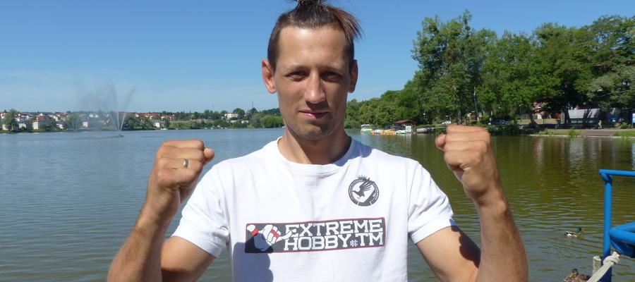 Patryk Duński jest w Iławie dobrze znany i bardzo dobrze kojarzony, a kolejną wygraną tylko potwierdził swój talent do sztuk walki. Tu nad brzegiem Małego Jezioraka