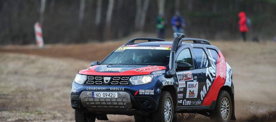 Adam Binięda oraz Bartłomiej Grabowski są lideami klasyfikacji Pucharu Daci Duster Cup