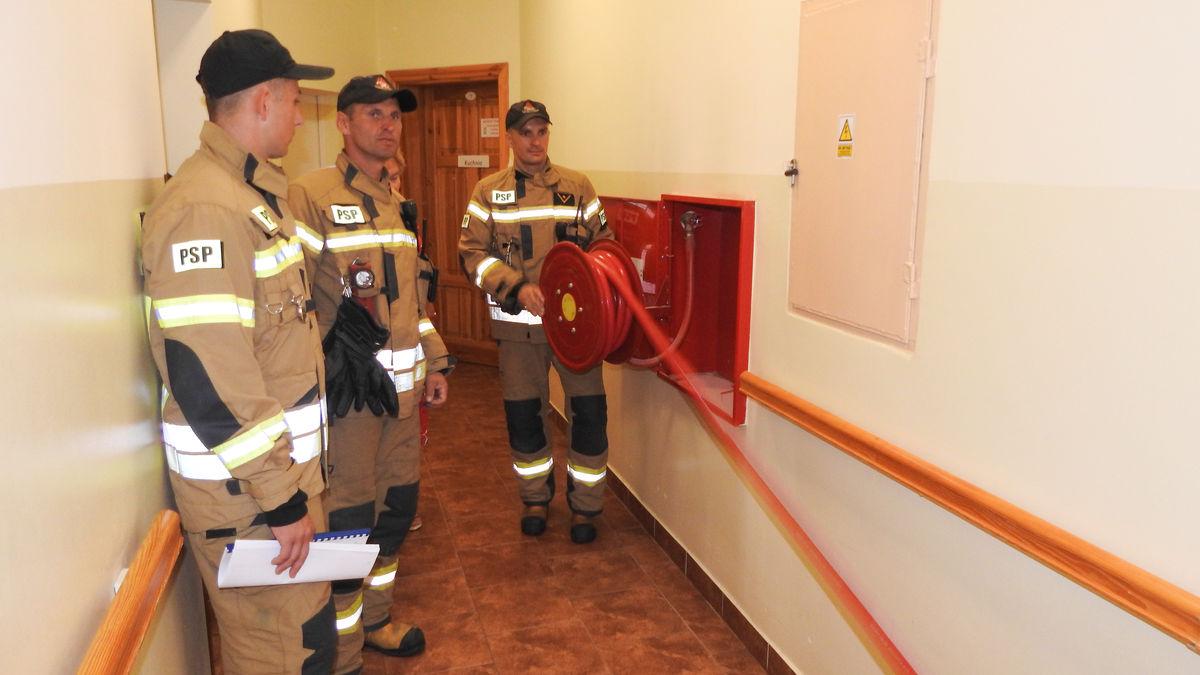 Strażacy sprawdzali stan hydrantów