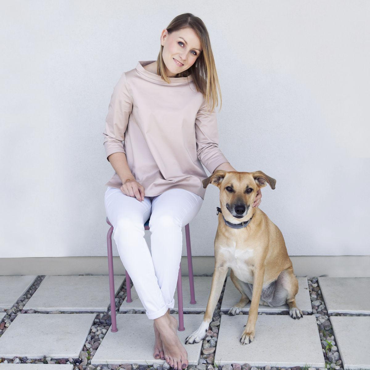 Katarzyna Kędzierska - blogerka, prawniczka i minimalistka. Prowadzi SIMPLICITE.PL – największy polski blog o minimalizmie.