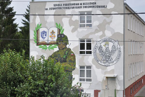 Szkoła w Bezledach zmienia swój wygląd