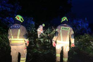Strażacy OSP Bisztynek pomogli w dostawach prądu dla podtrzymania pracy maszyny tlenowej