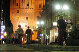 Czy Olsztyn nocą jest bezpieczny? Tych miejsc trzeba unikać