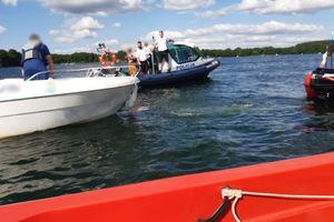 Olsztyńscy wodniacy interweniowali na jeziorze Ukiel. Przewrócił się skuter wodny
