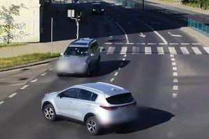 Wymusił pierwszeństwo i stracił prawo jazdy. Kolizja na głównym skrzyżowaniu Olsztyna [VIDEO]