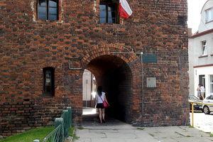 Siatki na średniowiecznej baszcie