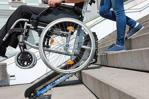 Nowe Miasto Lubawskie: dzięki sąsiadom niepełnosprawny mężczyzna znowu wychodzi z domu