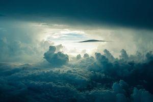 Do Olsztyna nadciągają ciemne chmury. Przygotujcie się na burze z gradem
