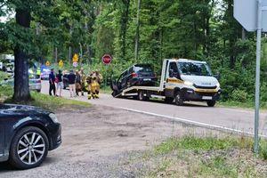 Wypadek koło Ostródy. Kobieta w ciąży zabrana do szpitala
