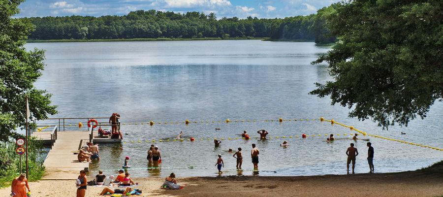 Lato 2021 nad  jeziorem Skanda w Olsztynie