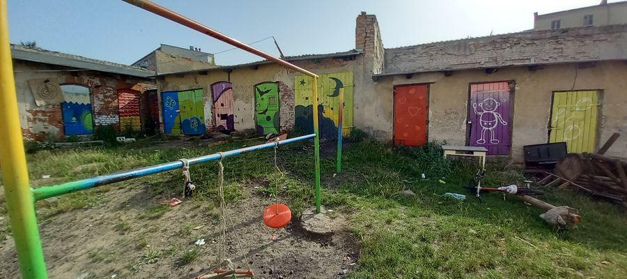 Stare nowe podwórka. Streetworkerzy na ulicach