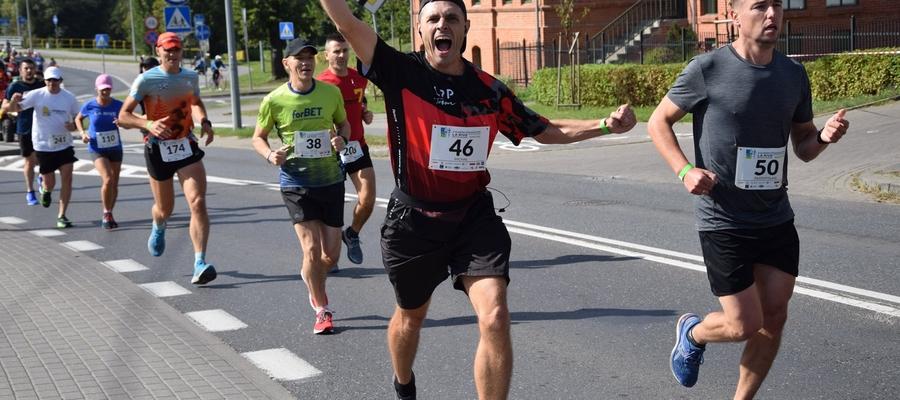 Iławski Półmaraton, podbieg na ul. Dąbrowskiego