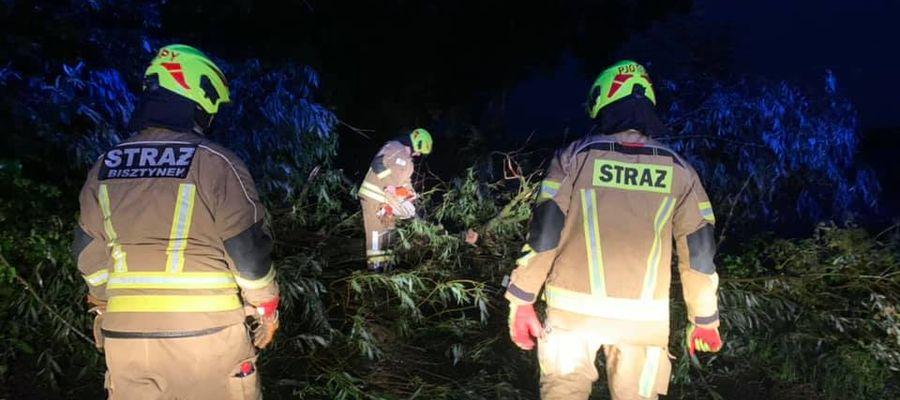 Minionej nocy strażacy OSP Bisztynek mieli pełne ręce roboty