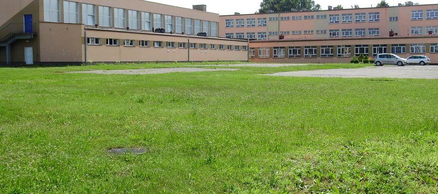 Działka przy I LO w Olecku może być łakomym kąskiem dla deweloperów