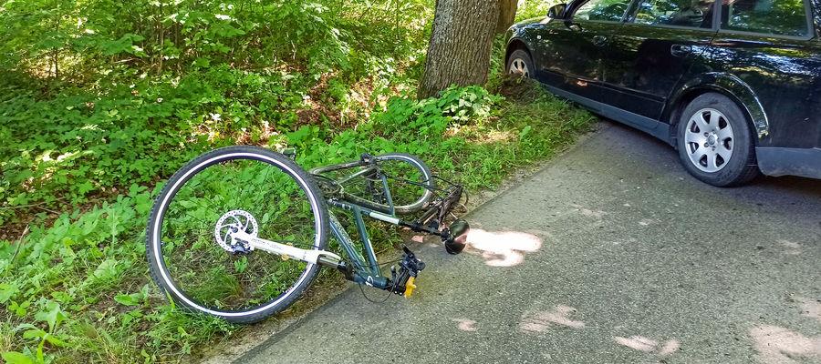 Przy drodze leżał ranny rowerzysta