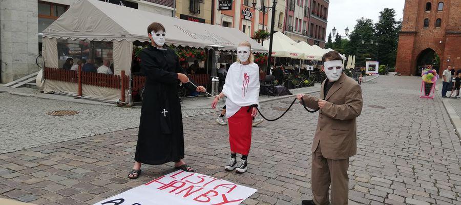 """Elbląski Strajk Kobiet przyłączył się do wydarzenia organizowanego przez  """"DOŚĆ milczenia - STOP klerykalizacji Polski"""""""