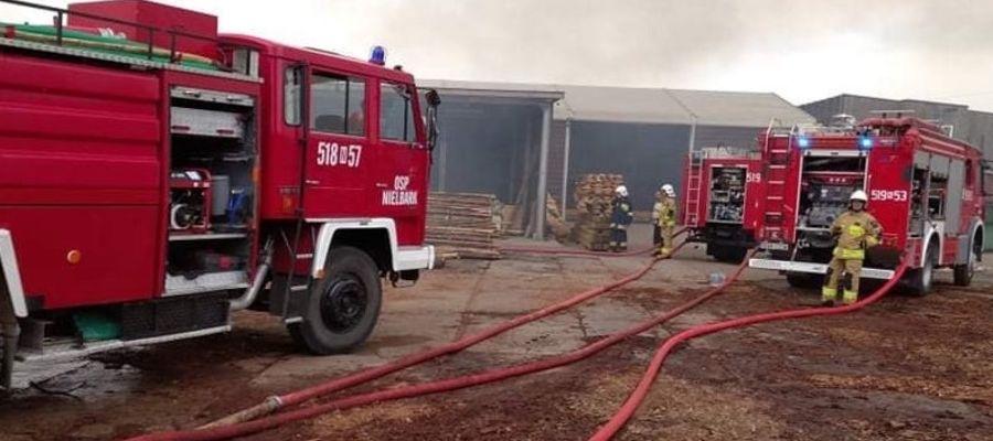 Sprzęt druhów z Ochotniczej Straży Pożarnej w Nielbarku podczas akcji w Brzoziu