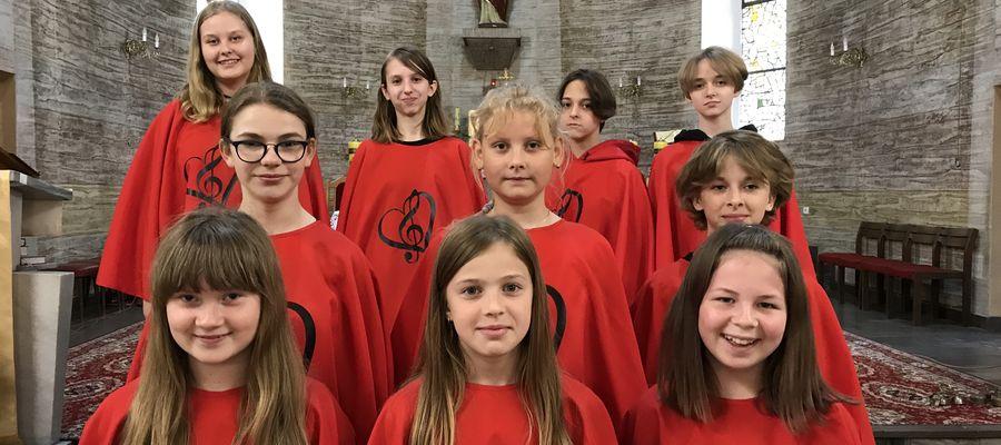 Schola działająca przy parafii w Mrocznie
