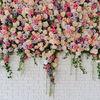 Dekoracje ze sztucznych kwiatów