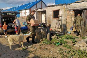 Terytorialsi pomagają rodzinie z Mściszewa, która straciła dach nad głową