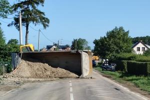 Wywrotka na drodze do Ełku zablokowała ruch na kilka godzin