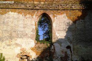 Atrakcja na piątek: kościół w ruinie