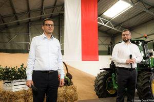 Premier Morawiecki w Brzydowie koło Ostródy promował wsparcie dla rolników. Agrounia zaprzecza: nie dostajemy żadnego wsparcia