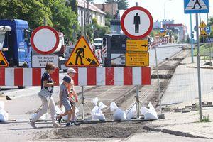 Aleja Piłsudskiego w Olsztynie zamknięta. Trwa budowa nowej linii tramwajowej w centrum [ZDJĘCIA]