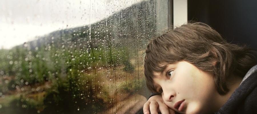 Czeka nas dużo deszczu. Dzieci będą musiały bawić się w domu