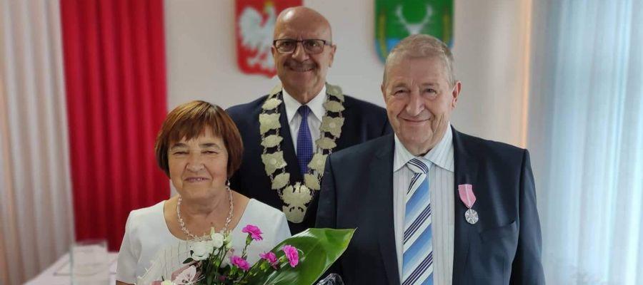 Na ślubnym kobiercu stanęli 50 lat temu