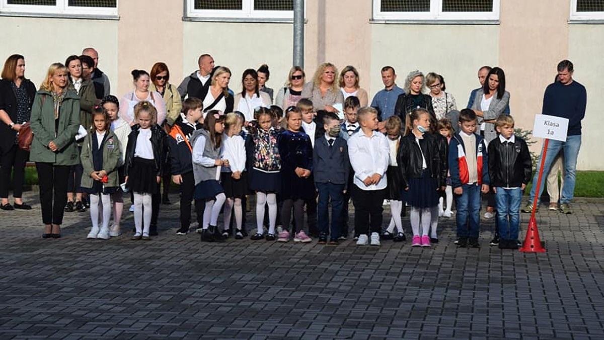 Rozpoczęcie roku szkolnego SP 3 w Bartoszycach