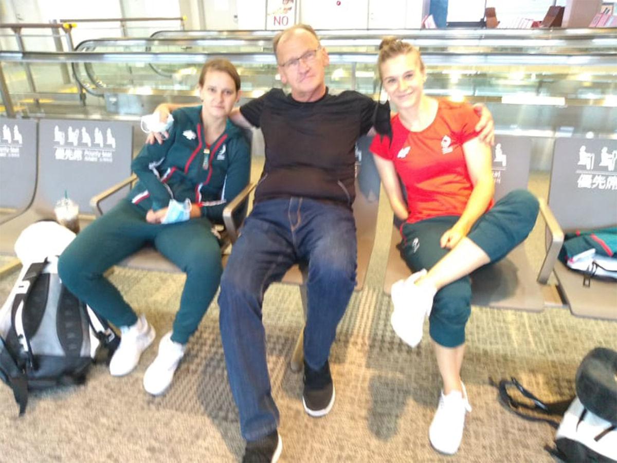 Z Karoliną Pęk i Natalią Partyka. Złote medalistki w tenisie stołowym