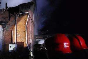 Mężczyzna spłonął przy piecu kaflowym. Tragiczny pożar w gminie Kolno