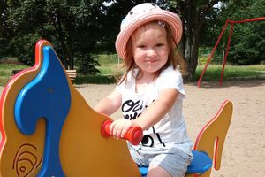 Dwuletnia Kinga z okolic Działdowa walczy z nowotworem. Wesprzyj ją w walce o życie.