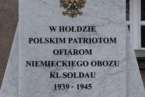 Odsłonięcie pomnika na terenie byłego obozu Soldau