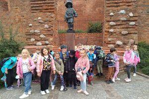 Uczniowie na wycieczce w Warszawie