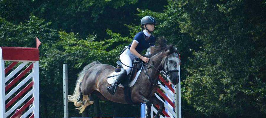 Ala miała zaledwie dziewięć lat, kiedy po raz pierwszy spróbowała jazdy konnej. Dziś odnosi kolejne sukcesy