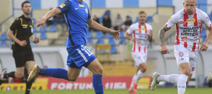 W meczu z Resovią piłkarze Stomilu zafundowali swoim kibicom huśtawkę nastrojów: już w 9. minucie stracili gola, a po przerwie w ciągu ośmiu minut sami strzelili dwa. A później dołożyli kolejne dwa...